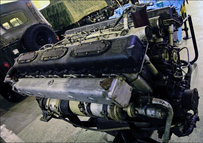 двигатель Д12А-525А