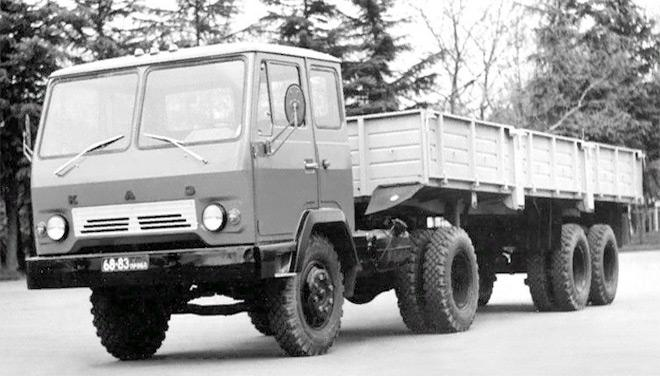 Тягач КАЗ 608